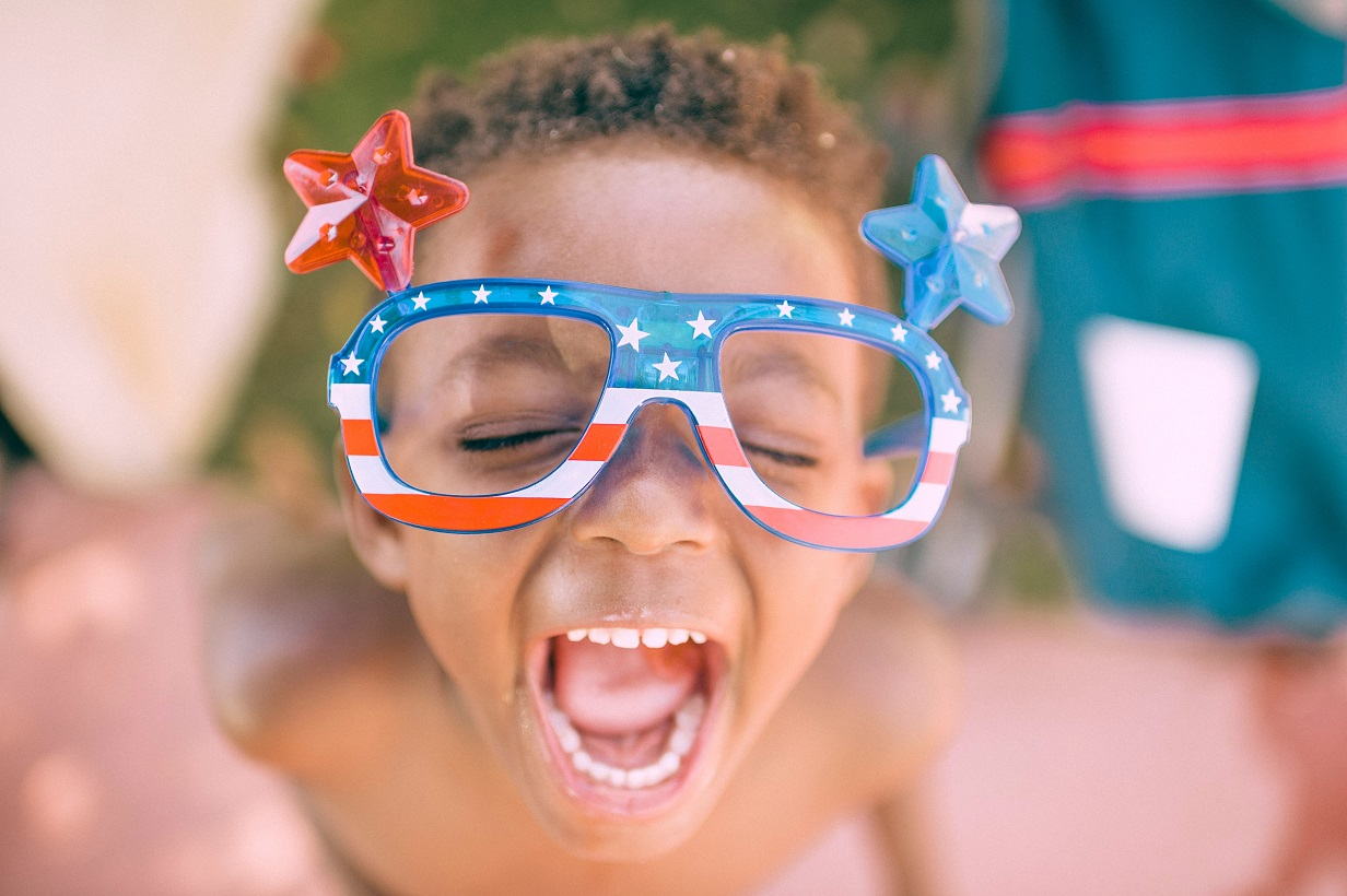 laughing boy stars and stripes glasses